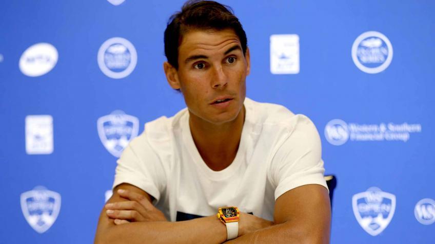 Rafael Nadal and the broken racket